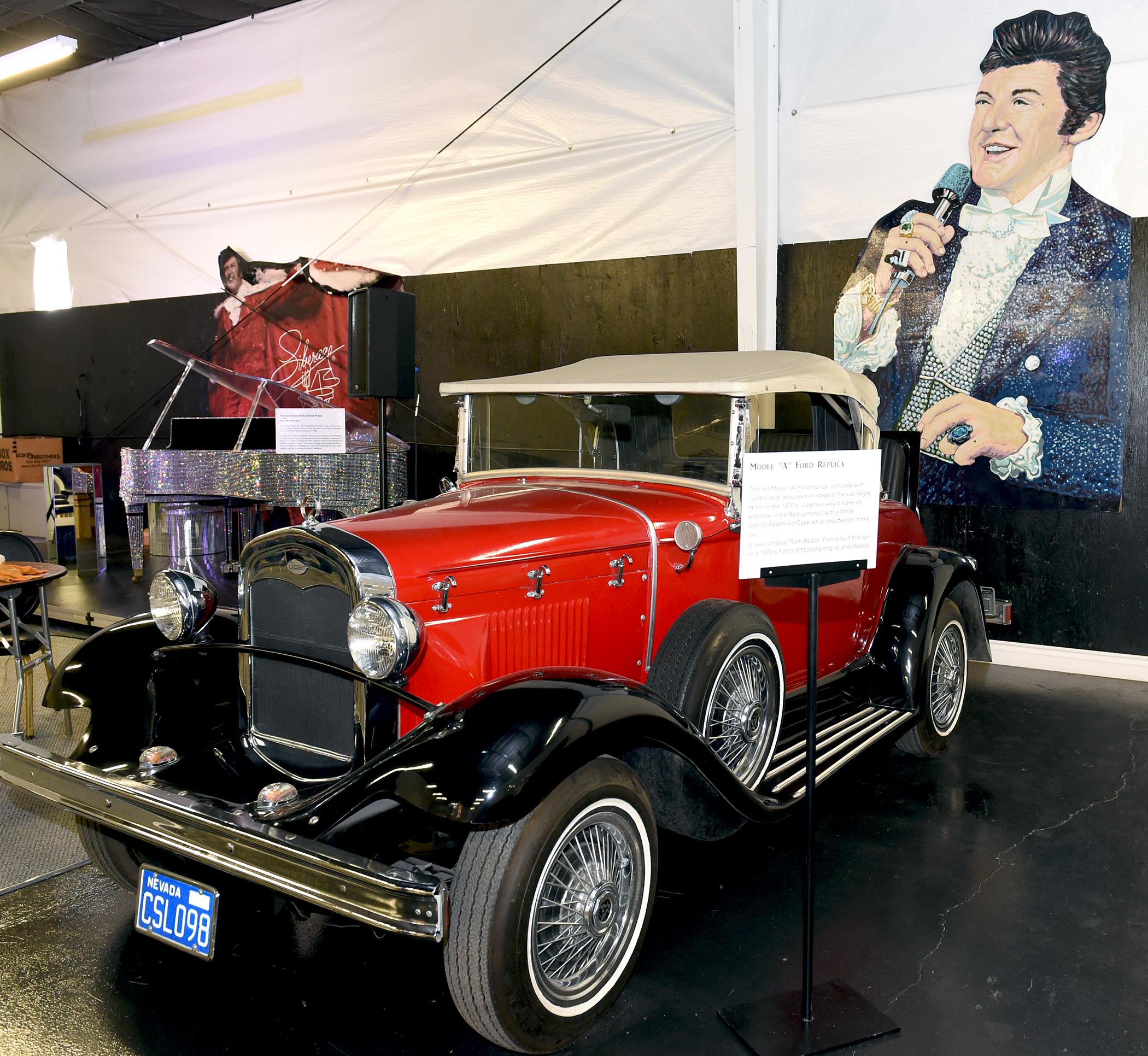 Cars Collector Garages: Liberace Garage