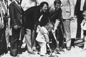 Nevada Stupak breaks ground on Stratosphere Tower with his father, Bob Stupak